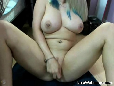 small titted mom porn